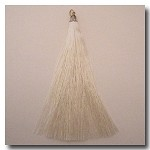 1-1732 Ivory Tassel w/Antique Gold Tassel Cap - 3.5